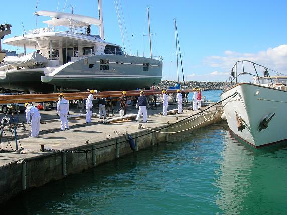 Formació tècnica sobre manteniment d'embarcacions per a estudiants de FP a Varador 2000