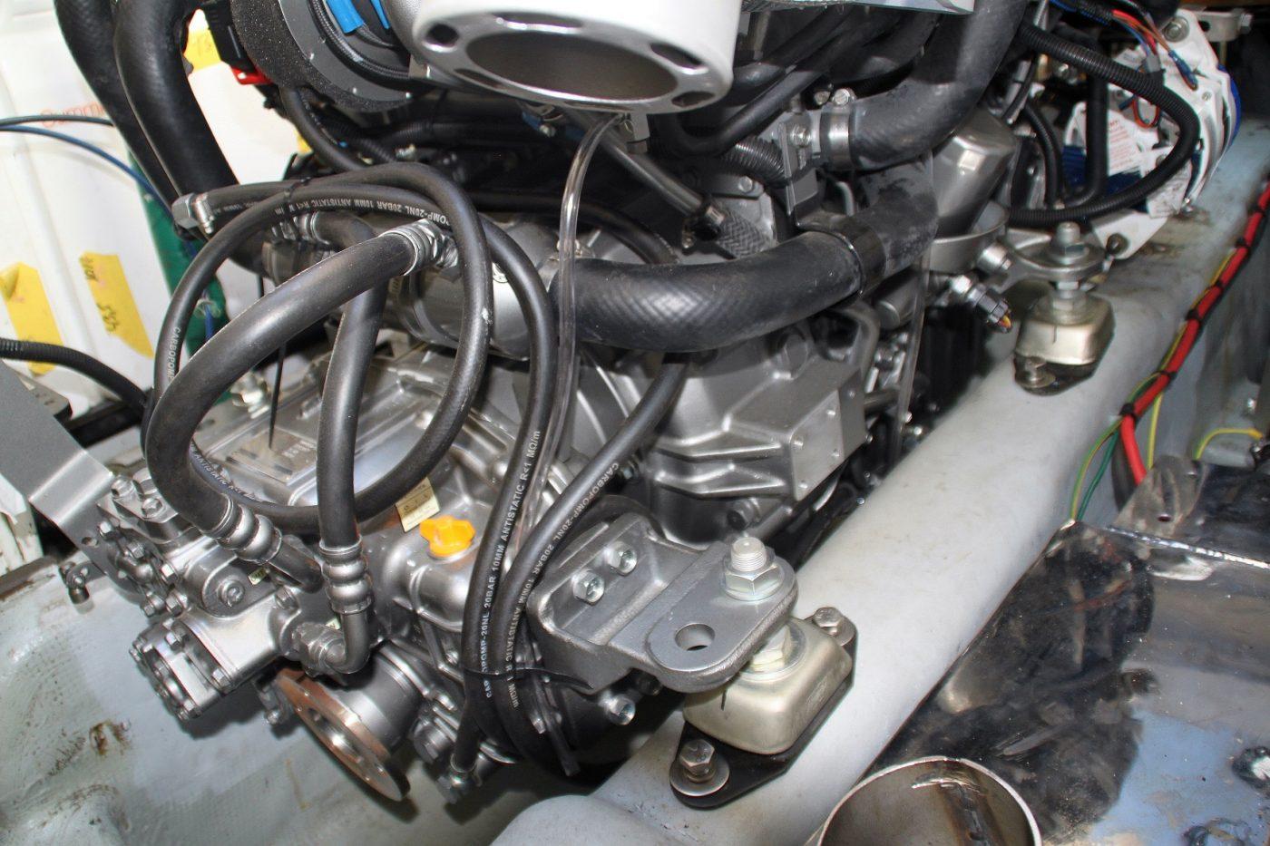 El nuevo motor anclado sobre la bancada modificada