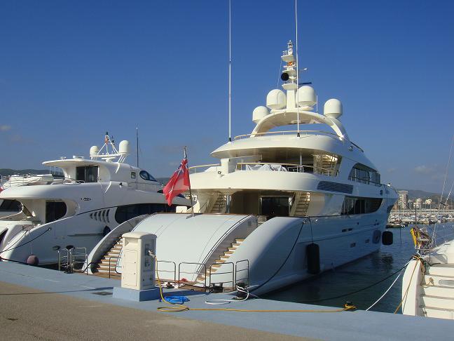Varador 2000 promote Mataró Marina Barcelona in Monaco Yacht Show