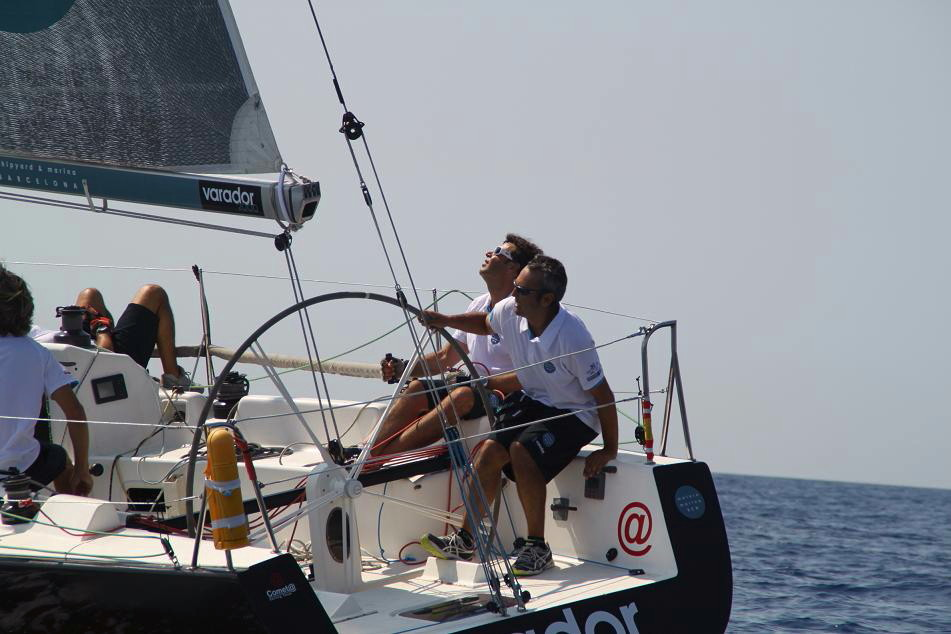 The Varador 2000 facing the Copa del Rey Sailing with a large competitive