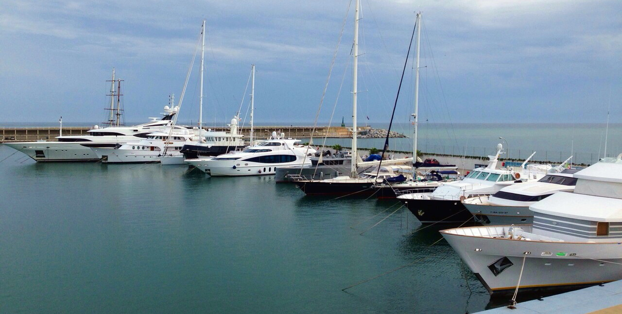 Mataró Marina BARCELONA grows in services, equipment and surface
